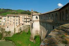 Urbania - Le mura - Prov. Pesaro-Urbino -Marche