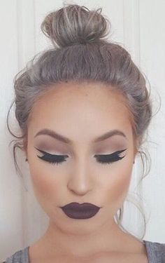 How to apply the cat eye makeup…
