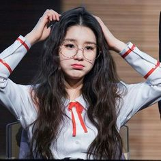 Read Loona - Chat (Loona from the story My Girl Idol by LUMoonlight_ (Lucca 🌙) with reads. Kpop Girl Groups, Korean Girl Groups, Kpop Girls, Sooyoung, My Girl, Cool Girl, Divas, Wubba Lubba, Ulzzang Girl