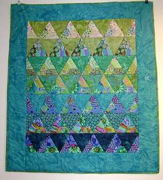 Turquoise Kaffe Fassett wall hanging, thousand pyramids, at Hanne's Patchwork (Denmark)