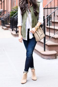 say yes to cuffed skinny jeans, booties, and adorable cross body bag
