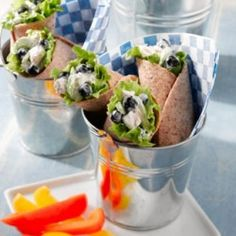 Blueberry Chicken Salad Wraps - Fresh blueberries add a special zing of color and flavor to these tasty sandwich wraps. They're wonderful served for lunch or as a light supper on a warm spring or summer's day. Blueberry Chicken, Blueberry Salad, Blueberry Recipes, Blueberry Delight, Highbush Blueberry, Almond Chicken, Salad Wraps, Lettuce Wraps, Lettuce Leaves