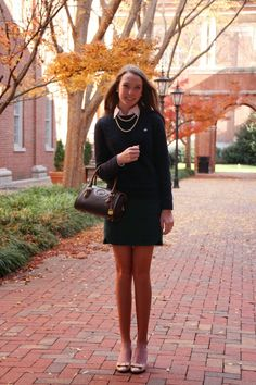 Gimme Glamour: Thanksgiving Dinner Best Picture For cute preppy outfits For Your Taste You are looki Prep Fashion, Fashion Tips, Ivy Fashion, Fashion Outfits, Fashion Trends, Cute Preppy Outfits, Fall Outfits, Woman Outfits, Nerd Outfits
