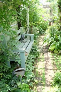 There are benches everywhere in the garden. They are a good place to rest and gather your thoughts ........