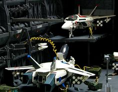 base type which gives you an option for a second level platform wasnt released when i did this setup Robotech Macross, Mclaren Mp4, Great Love Stories, Model Kits, Space Crafts, Plastic Models, Gundam, Scale Models, Nasa