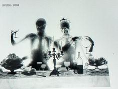 Sposi (2003) Benetta Bonichi Es impresionante como el arte, la ciencia y la tecnologia se mezclan para darnos un espectaculo para nuestros sentidos. Para Benedetta Bonichi, la creacion de seres fantasticos y reflejar parte de la cotidianidad es algo que transmite por medio del uso de los rayos X. Estos ultimos, empleados para la medicina, nos ofrecen, a traves de la mano de la artista, un nuevo uso que nos permite crear nuevas formas, rostros y situaciones. La obra Sposi, no refleja la…