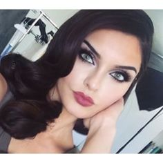 Evon kurdish makeup