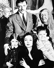Lisa Loring, Ken Weatherwax, Marie Blake, Jackie Coogan, Carolyn Jones and John Astin in The Addams Family. The Addams Family 1964, Adams Family, Plus Tv, Cartoon Tv Shows, Vintage Tv, Vintage Photos, Old Shows, Cinema, Great Tv Shows