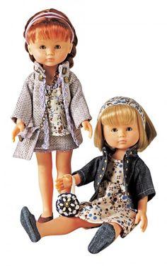 Des tailleurs en jean et tissu cousus pour les poupées marie et claire