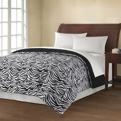 Bed comforter I am getting for college! It was only $17.47! @Tomacenia Marotta