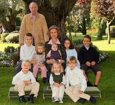 King Juan Carlos & Queen Sofia w/grandchildren