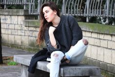 #dasynka #blog #inspiration #fashion #blogger #travel #globetrotter #shooting #model #italy #influencer #instagram #long #hair #casual #street #style #girl #beautiful #lookbook #lifestyle #outfit #poses #blogging #sweater #grey #boyfriendjeans #fishnet #stockings #jeans #adidas #superstar #oversize #casual
