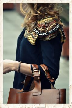 detail is awesome...love this top and bag