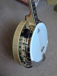 Clareen Oyster Irish tenor banjo