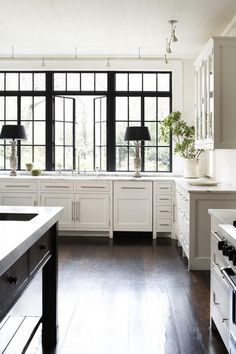 A classic style with a touch of modern. I think I'm just a little smitten by this Atlanta, Geor...