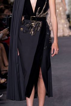 2016 Dress by Elie Saab Fall Collection. 2016 The post Dress by Elie Saab Fall Collection. Trend Fashion, Runway Fashion, High Fashion, Fashion Show, Womens Fashion, Fashion Design, Fall Fashion, Modern Fashion, Elegant Dresses