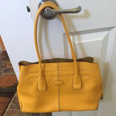 Authentic Tods D Cube Tods D Cube leather bag in Yellow Tod's Bags