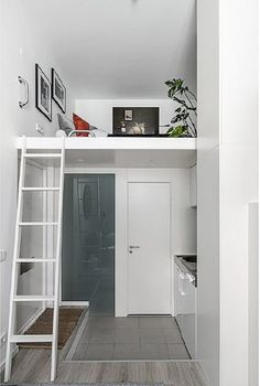 Comment aménager au mieux un petit studio? - PLANETE DECO a homes worldComment aménager au mieux un petit studio? - PLANETE DECO a homes worldMezzanine: what is it, how to use and photos of projects Small Loft Apartments, Tiny Spaces, Deco Studio, Studio Room, Dressing En Kit, Tiny Loft, Small Bathroom Renovations, Small Room Design, Small Space Living