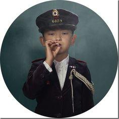 Smoking Kids portraits by Frieke Janssen Smoking Photos, Foto Portrait, Kids Series, Glamour Shots, Kids Lighting, Foto Art, Photo Series, Photo Projects, Humphrey Bogart