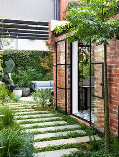 Indoor Courtyard, Courtyard Landscaping, Small Courtyard Gardens, Courtyard Design, Front Courtyard, Small Courtyards, Garden Design, Architecture Courtyard, Outdoor Areas