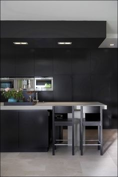 Fotke > Moderni interijeri i eksterijeri (vol. Open Kitchen, Kitchen Dining, Kitchen Decor, Black Kitchens, Cool Kitchens, Beautiful Kitchens, Beautiful Interiors, Corner Kitchen Layout, Interior Architecture