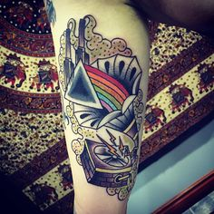 Pink Floyd today #traditionaltattoo #traditional #whipshaded #boldholds #boldwillhold #brightandbold #dynamic #dynamicink #pinkfloyd #pinkfloydtattoo