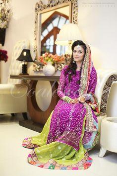 Pakistani Mehndi Dress, Bridal Mehndi Dresses, Pakistani Bridal, Pakistani Outfits, Mehndi Outfit, Desi Bride, New Look Fashion, Asian Fashion, Stylish Dresses