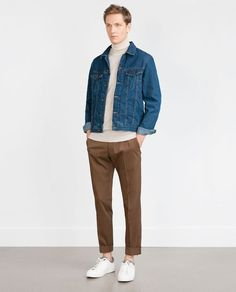 The denim jacket's been around for quite a while. In addition, a well-fitted denim jacket has the exact same slimming effect of a great sports jacket. Denim Jacket Fashion, Denim Jacket Men, Men's Denim, Denim Jackets, Denim Jacket Outfit Summer, Cargo Jacket, Men Shorts, Denim Style, Bomber Jacket