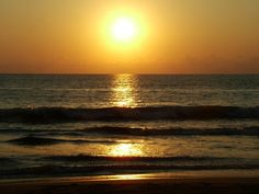 Google Image Result for http://free-slideshow.com/screens/waves_sunsets/sun-over-the-ocean.jpg