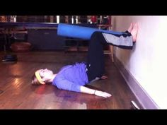 Productive Stretching for Dancers Posture Fix, Bad Posture, Bad Dancing, Ballet Barre Workout, Dancer Stretches, Ballet Studio, Hip Lifts, Dance Training, Anatomy And Physiology
