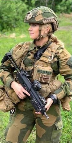 Female Soldier, Military Girl, Warrior Girl, Military Women, Armada, People Of The World, Police, Guns, Beautiful Women