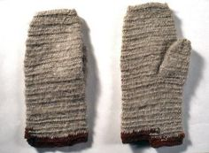 Nalbound mittens, Kontiolahti, Northern Carelia, Finland. Prior to 1958. Length 27 cm, width 9-12 cm.