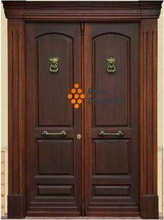 Puerta principal doble hoja con herrajes y detalles cromados. mod.002  consulta presupuesto; http://www.comprema.com/presupuestos
