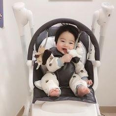 So Cute Baby, Cute Baby Videos, Cute Baby Pictures, Cute Kids, Cute Asian Babies, Korean Babies, Asian Kids, Cute Babies Photography, Baby Tumblr