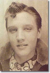 love this photo young elvis