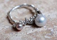 Zalisander - Double pearl and leaf ring http://www.zalisander.com
