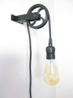 https://i.pinimg.com/236x/f8/84/a5/f884a56dcd9d42aa432faf010d9340cb--pulley-light-edison-lamp.jpg