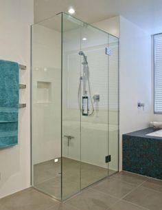 Square showers, versatile showers that open up a bathroom corner