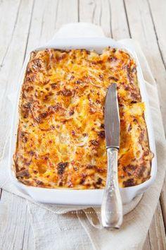 Le lasagne alla zucca sono un modo originale di utilizzare questo prodotto autunnale e di farne un piatto dal colore e dal gusto travolgenti. Italian Chef, Italian Recipes, Gnocchi, Crepes, Cannelloni, Chicken Chickpea, Eat Pretty, Dessert Bread, Soul Food