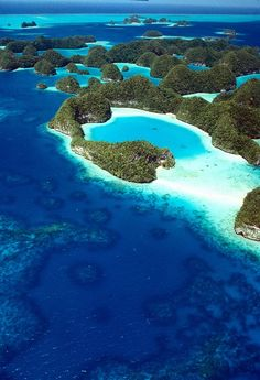 PALAU: island nation in the Pacific Ocean, 500 miles east of the Philippines Places Around The World, Oh The Places You'll Go, Places To Travel, Places To Visit, Travel Destinations, Travel Stuff, Beautiful Islands, Beautiful Beaches, Beautiful Ocean