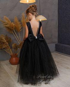 Flower Girl Tutu, Black Flower Girl Dresses, Girls Dresses, Flower Girls, Formal Dresses, Birthday Girl Dress, Pearl Dress, Satin Flowers, Ball Gowns