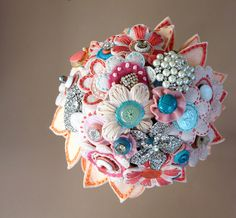 i just can't get over these felt flower and button bouquets....another one!!