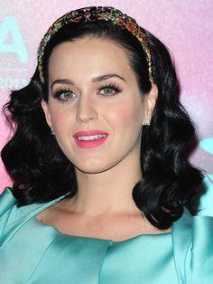 Katy Perry et son serre-tête précieux