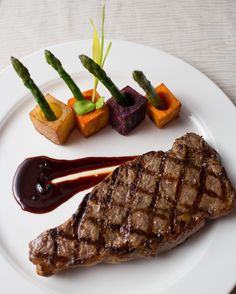 ¿Cual es tu platillo favorito? #SABORmayakoba  #delicioso #steak #FoodieTuesday #vegetables