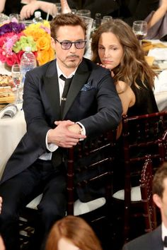 Pin for Later: Go Inside the Star-Studded Golden Globes  Robert Downey Jr. and his wife, Susan, sat close.