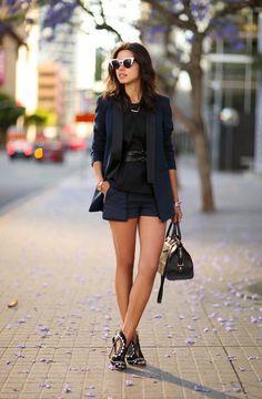 Afbeeldingsresultaat voor business casual shorts women