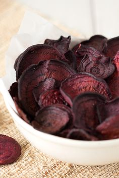 Do-it-yourself beet chips! You don't need a fryer full of oil or a fancy dehydrator for these! Crispy, delicious beet chips to snack on! 1c. = 97 calories   <1g fat   0 Weight Watchers SmartPoints   PIN this recipe!