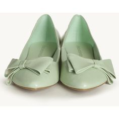 Little Luxuries Bow Flats In Mint ($25) ❤ liked on Polyvore featuring shoes, flats, green, mint shoes, flat pumps, mint green flats, green flat shoes and flat pointed-toe shoes