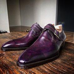 Novecento Line. www.frecciabestetti.com #bestettishoes #shoesporn #saphir #shoegazing #doublemonk #styleforum #foxflannel #foxumbrellas #patina #reverso #jlc #patekphilippe #incotex #drakes #leffot...