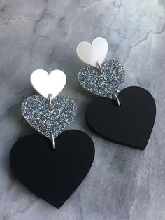 Heart Statement Acrylic Earrings in Pearl White, Galaxy Glitter and Matte Black. Diy Clay Earrings, Diy Leather Earrings, Leather Jewelry, Earrings Handmade, Handmade Jewelry, Polymer Clay Crafts, Polymer Clay Jewelry, Resin Jewelry, Jewelry Crafts